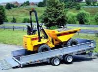 CT166 with optional dropsides, headboard and 3' loading ramp